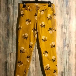Mid rise Yellow Printed Pixie Ankle Pants